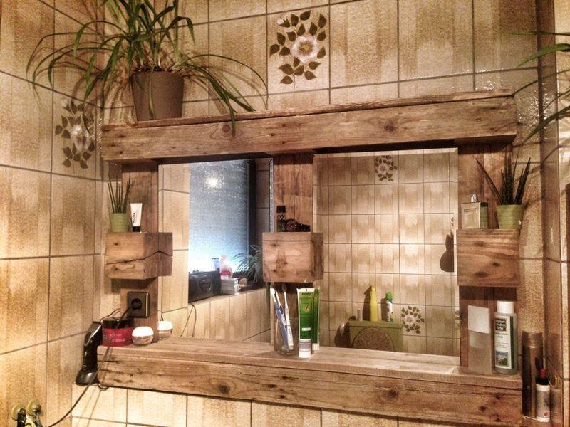 paletten spiegelschrank mit beleuchtung von dom s wood auf basteln pinterest. Black Bedroom Furniture Sets. Home Design Ideas