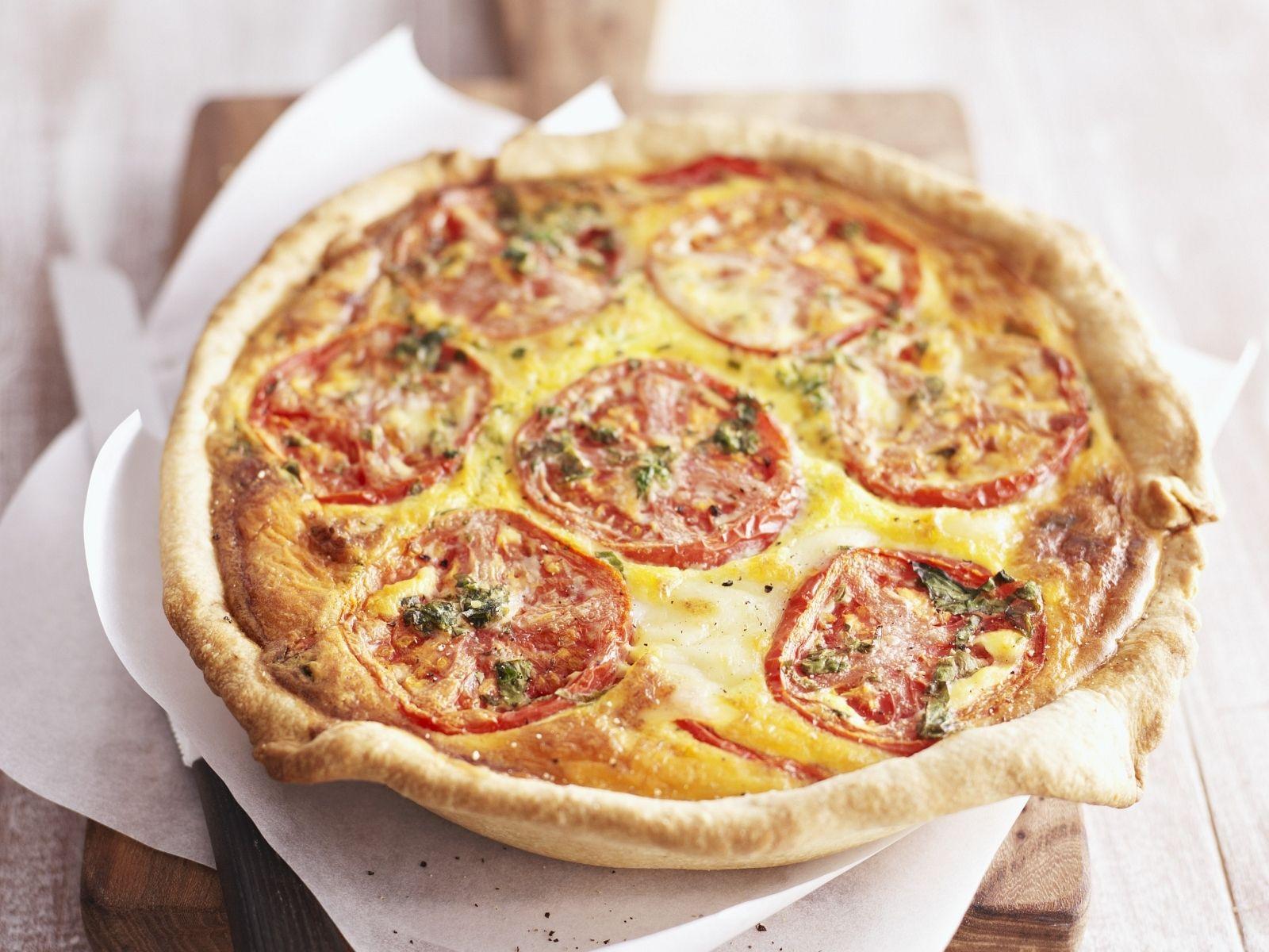 Quiche mit Tomate - smarter - Zeit: 30 Min. | http://eatsmarter.de/rezepte/quiche-mit-tomate