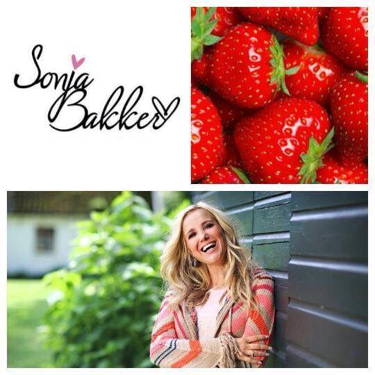 Een lekker nagerecht om te maken: Aardbeien-tiramisu!  Kijk op mijn YouTube-kanaal voor het recept: https://www.youtube.com/watch?v=FOSFtiTfg6Y