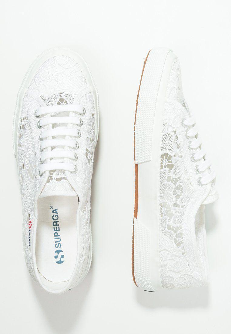 Ein schöner, luftiger Spitzen-Schuh für lässige Romantikerinnen. Superga  MACRAMEW - Sneaker -