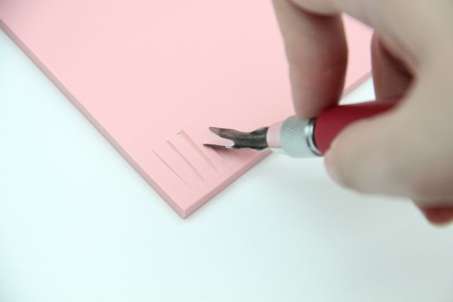 A Dummy S Guide To Using A Speedball Linoleum Cutter To Carve Rubber Stamps Stamp Carving Linoleum Cutter Linoleum