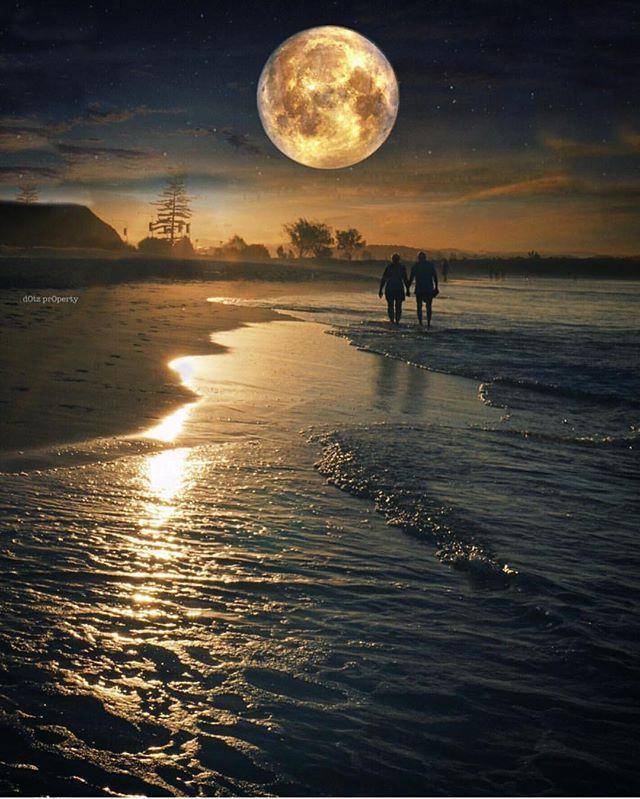 By ©: @Dotzsoh & @Dotzsoh2  Coolangatta beach - Australia #BestDiscovery to be featured !