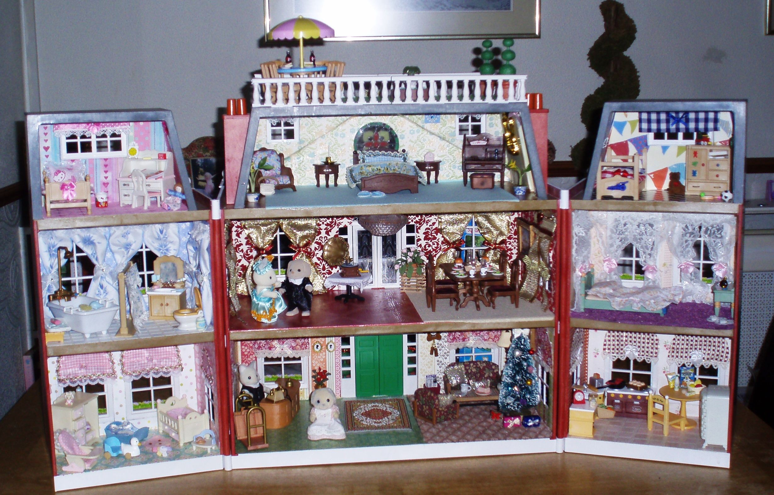 Regency Hotel - decorated with furniture and figures for an amazing playtime!!!