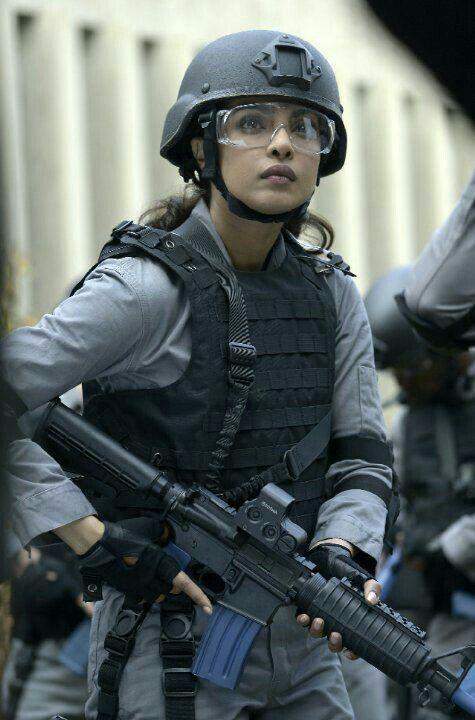 5d4d384d7 Pin de αℓเɳε∆ em Mulheres Militar - Military woman
