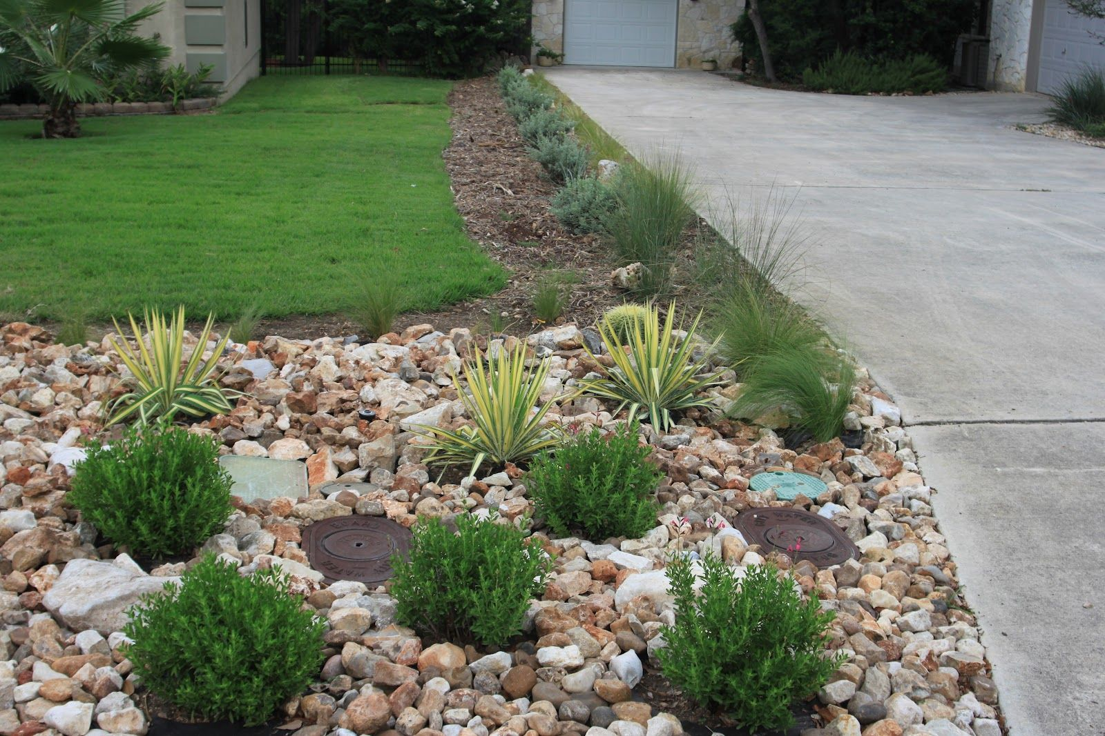 Rock Oak Deer Driveway Landscaping Completed Front Lawn Landscaping Small Front Yard Landscaping Landscaping With Rocks