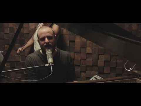"Não é o clip, é a música e a banda - The Brilliance - ""Brother"""
