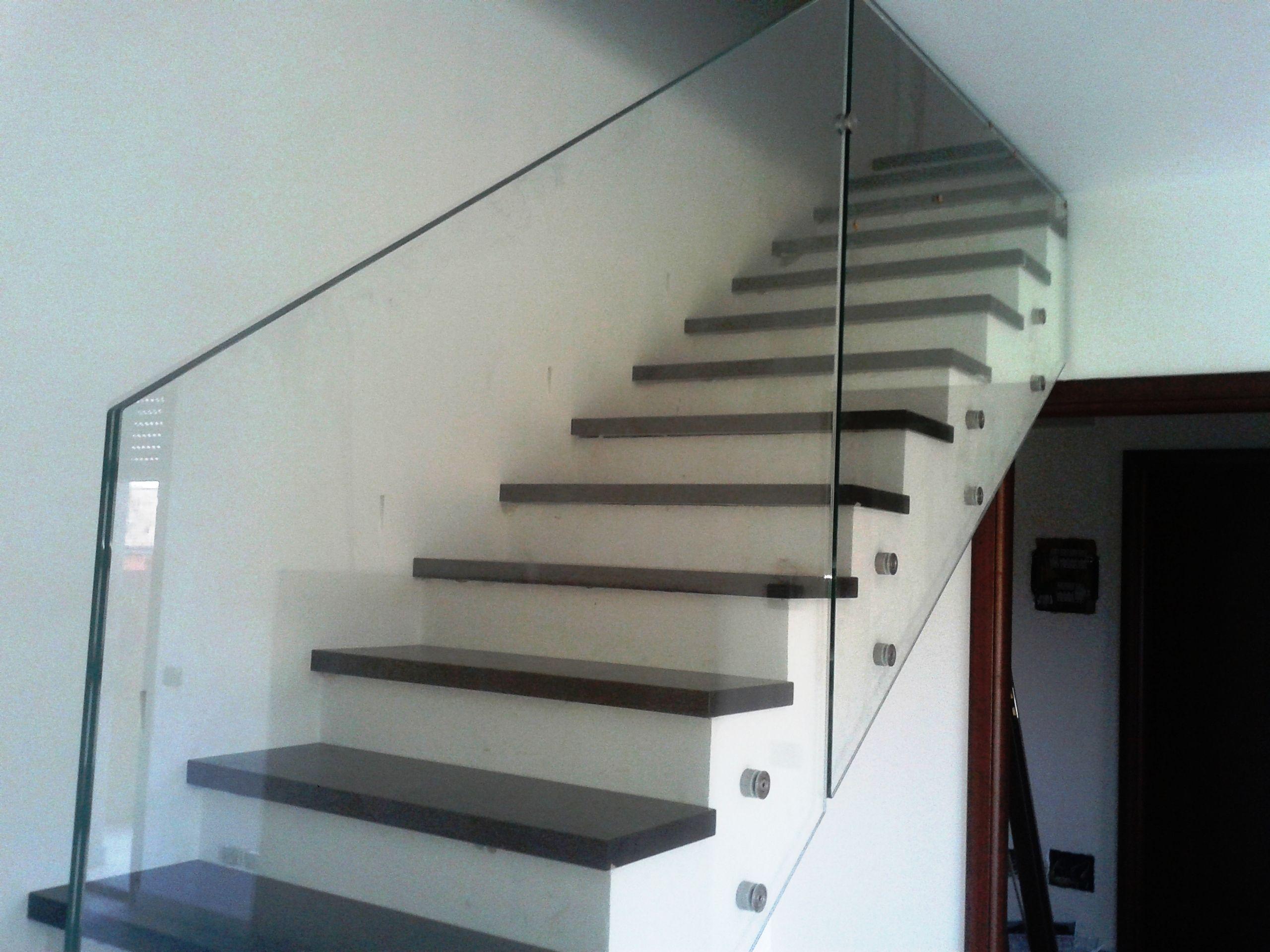 Risultati immagini per parapetto vetro scala parapetto - Scale per interni in muratura ...
