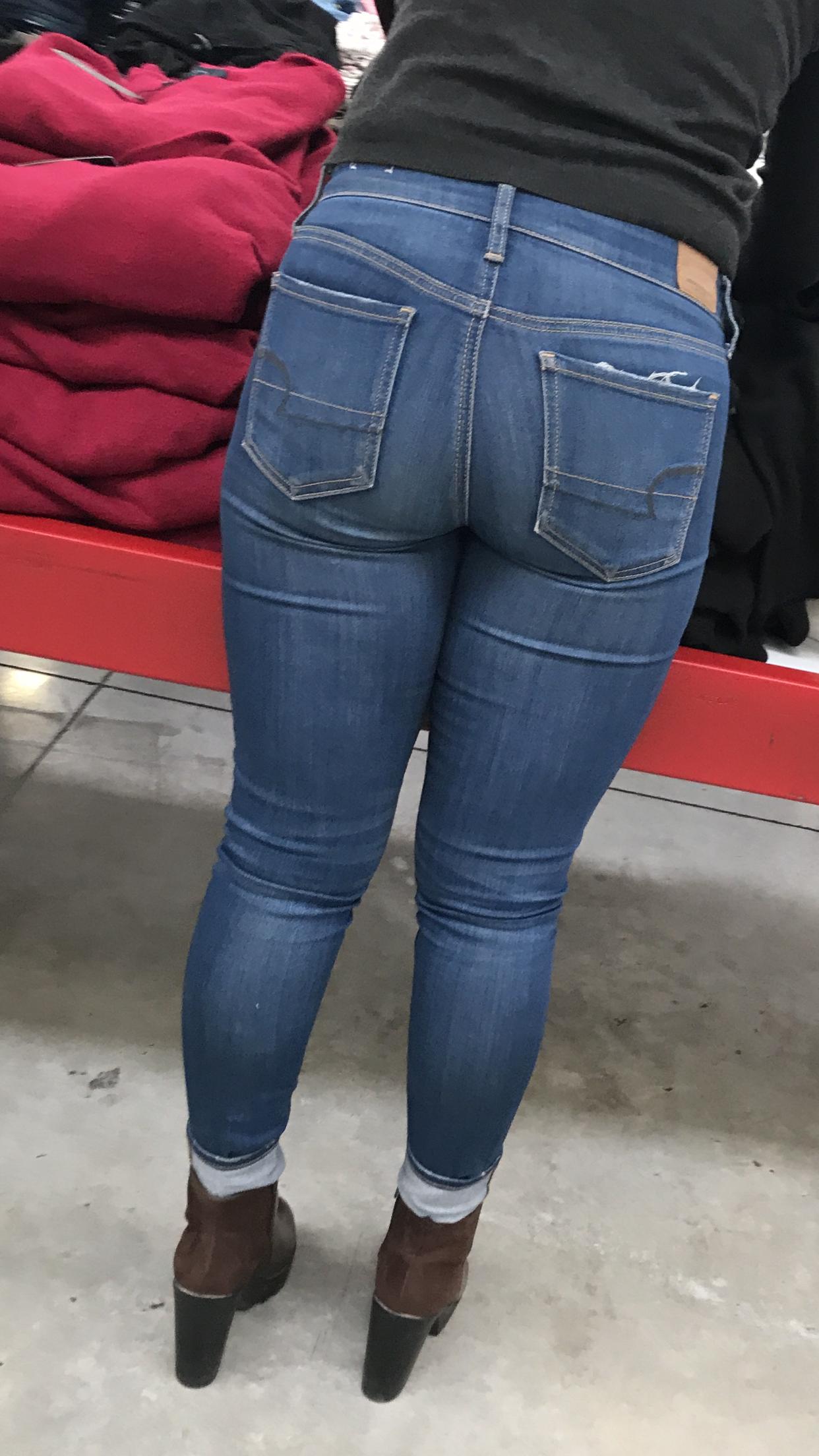 d9f81ac4abf6 Pin di ambra gratti su jeans nel 2019