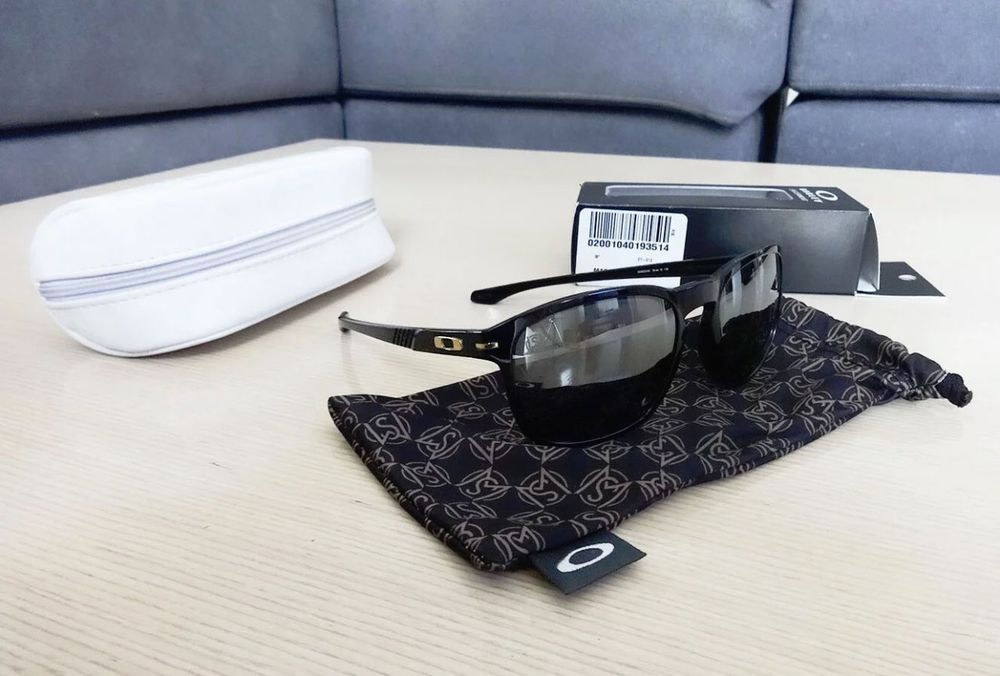 b39824f8ac Oakley Shaun White Enduro Polished Black w Black Iridium Polarized OO9223-05   fashion