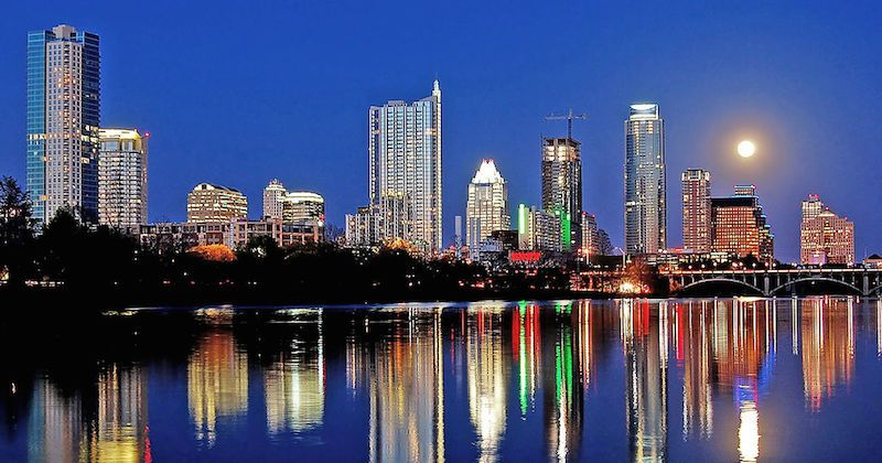 Amazon Expanding Austin Tech Hub Creating 800 New Jobs Econdev Economicdevelopment Austin Skyline Things To Do In Austin Tx Cool Places To Visit