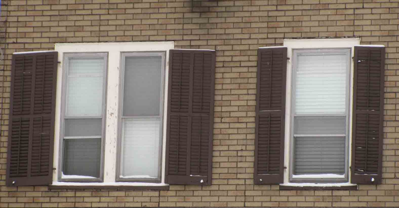 These Shutters Are The Perfect Size For Two Diffe Types Of Windows Don T Be Distracted By Unattractive Imitation Brick Asphalt Siding