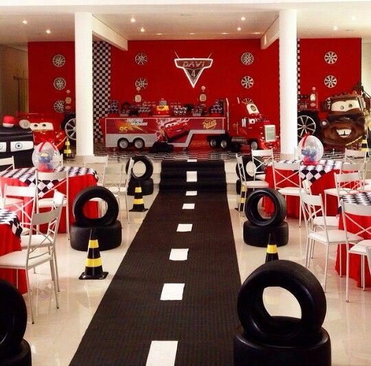 Tem tica cars telones infantiles pinterest tematica for Decoracion de cuarto hot wheels