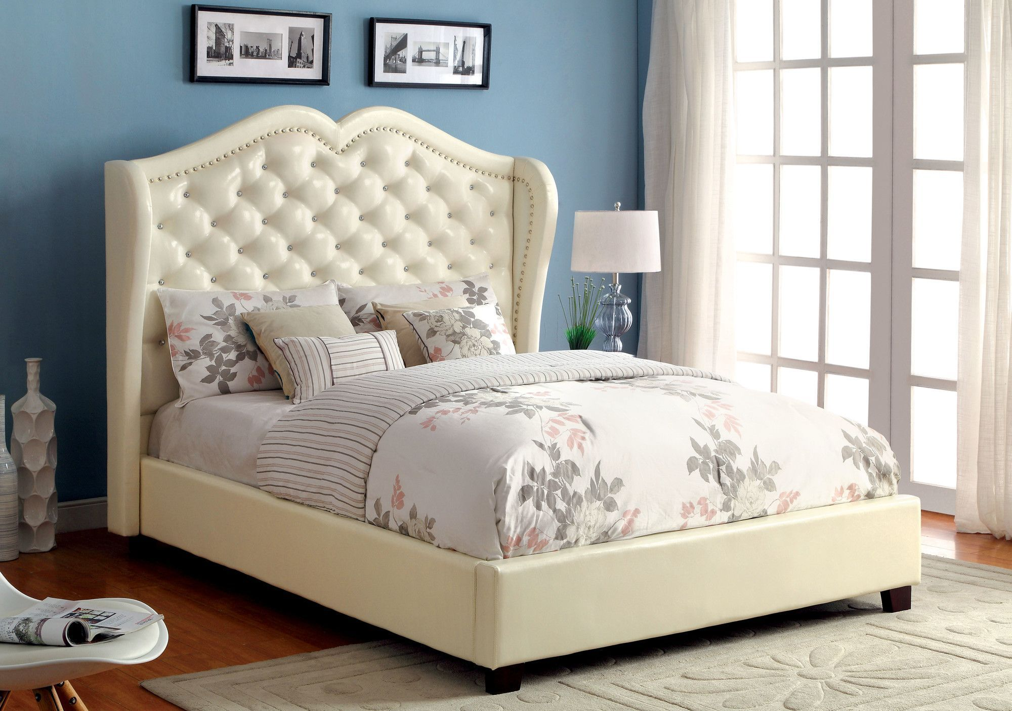 Yoxall Panel Bed | Camas