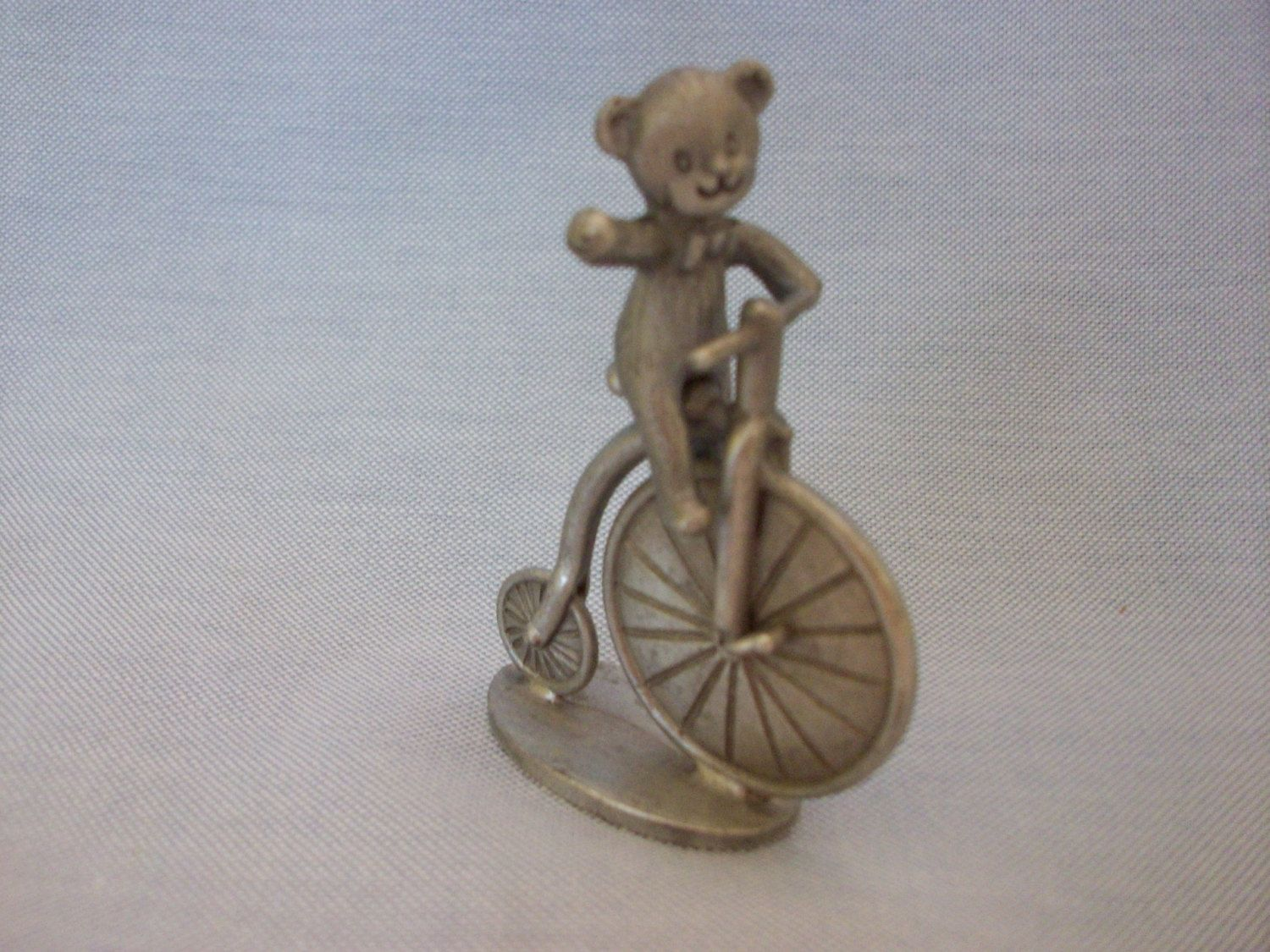 Sale***Spoontiques Pewter Figurine #684 Bear Riding Bicycle