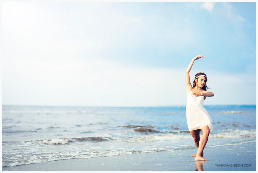 Modern Glamour Photography | Dance Photography by Tamara Gibson | Beach Portrait | tamara-gibson.com