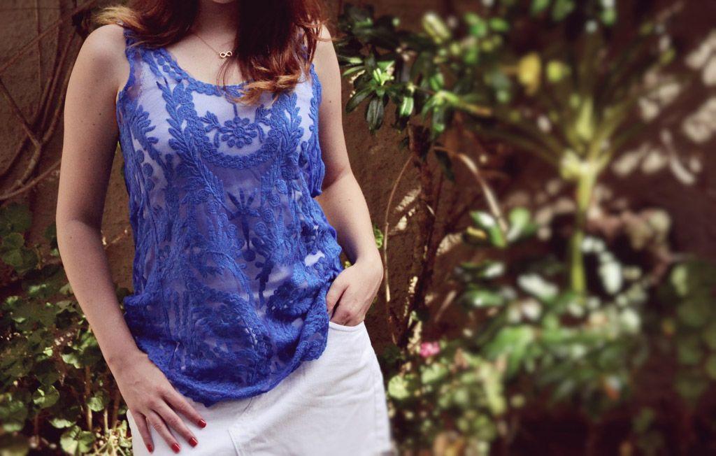 Linda renda para se usar por cima de qualquer camisa. Azul na cor perfeita pro verão. Adoro! #moda #estilo