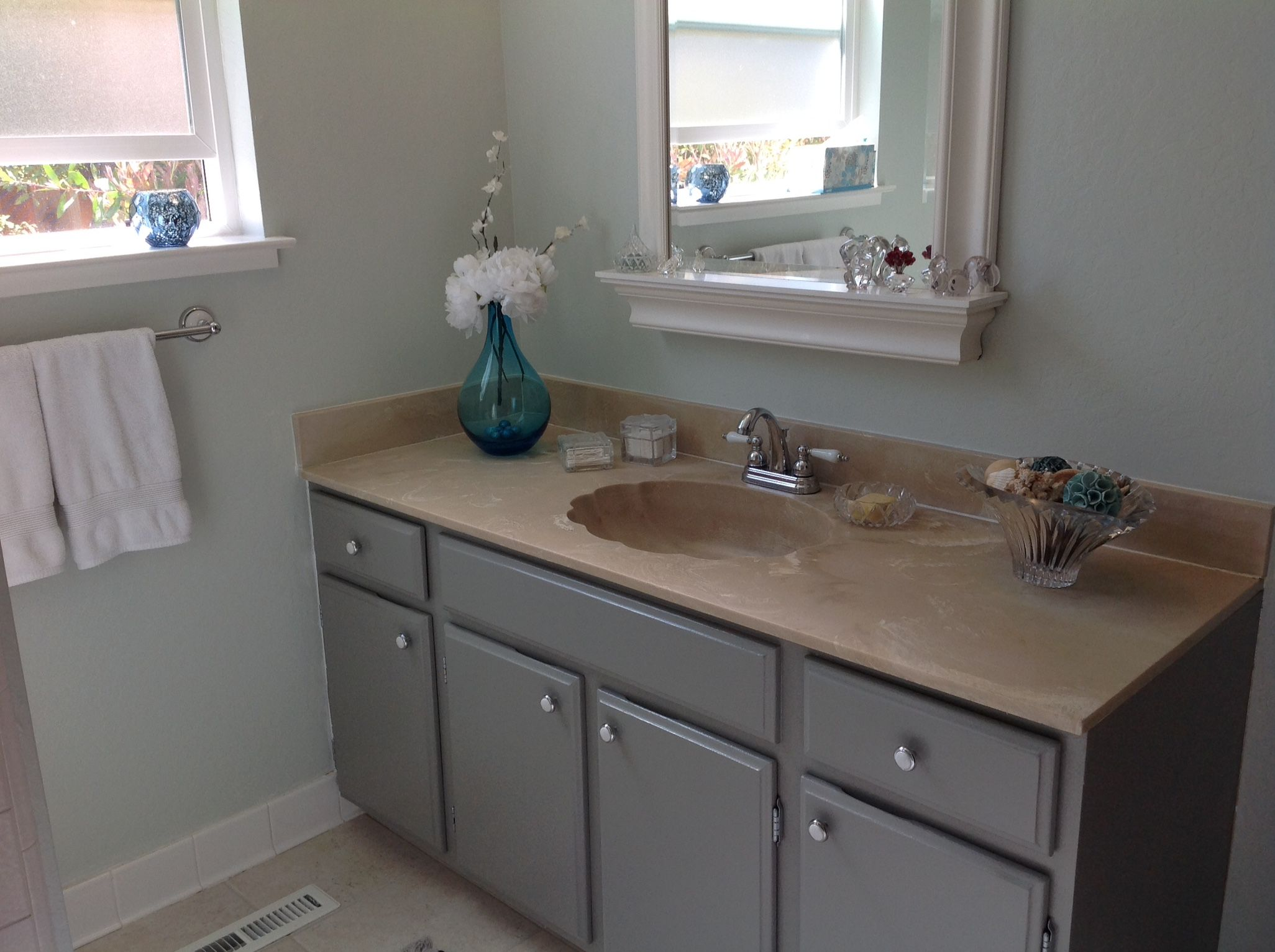 1974 Built In Cabinets Updated With Valspar Tabby Cat Gray The Wall Painted In Benjamin Moore H Valspar Paint Colors Gray Valspar Paint Colors Update Cabinets