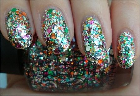 all that blings on the nails (love much?)
