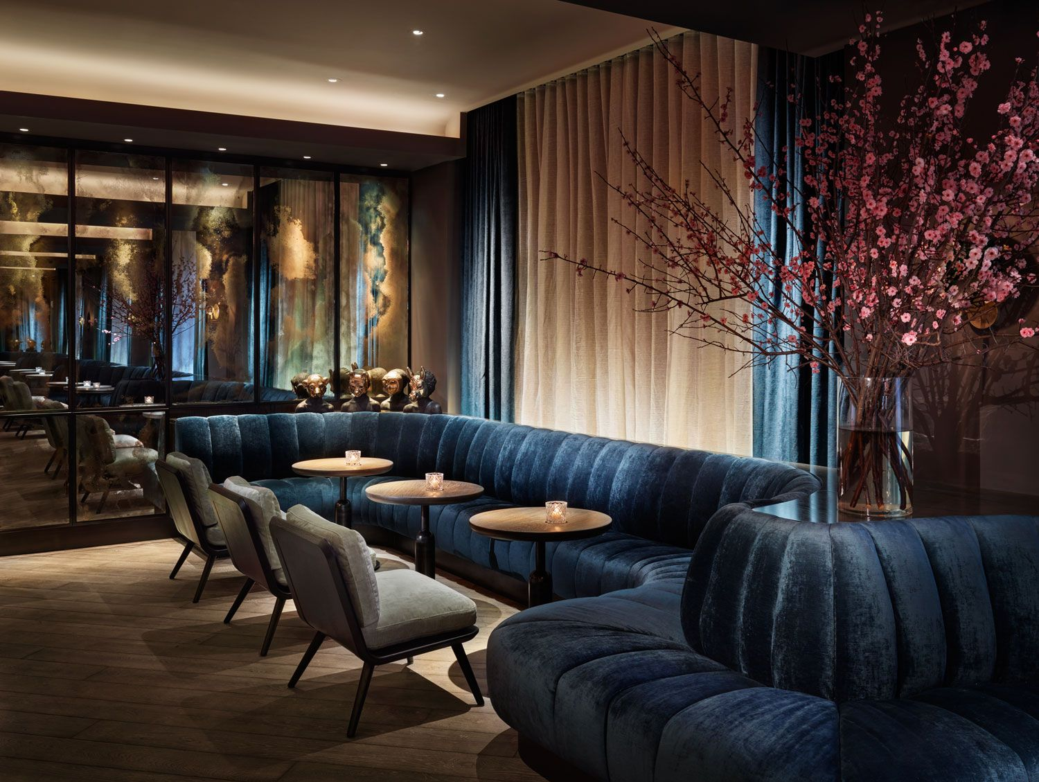 Living Room Bar Nyc 11 Howard Hotel Opens In New York Design Supper Club And New York