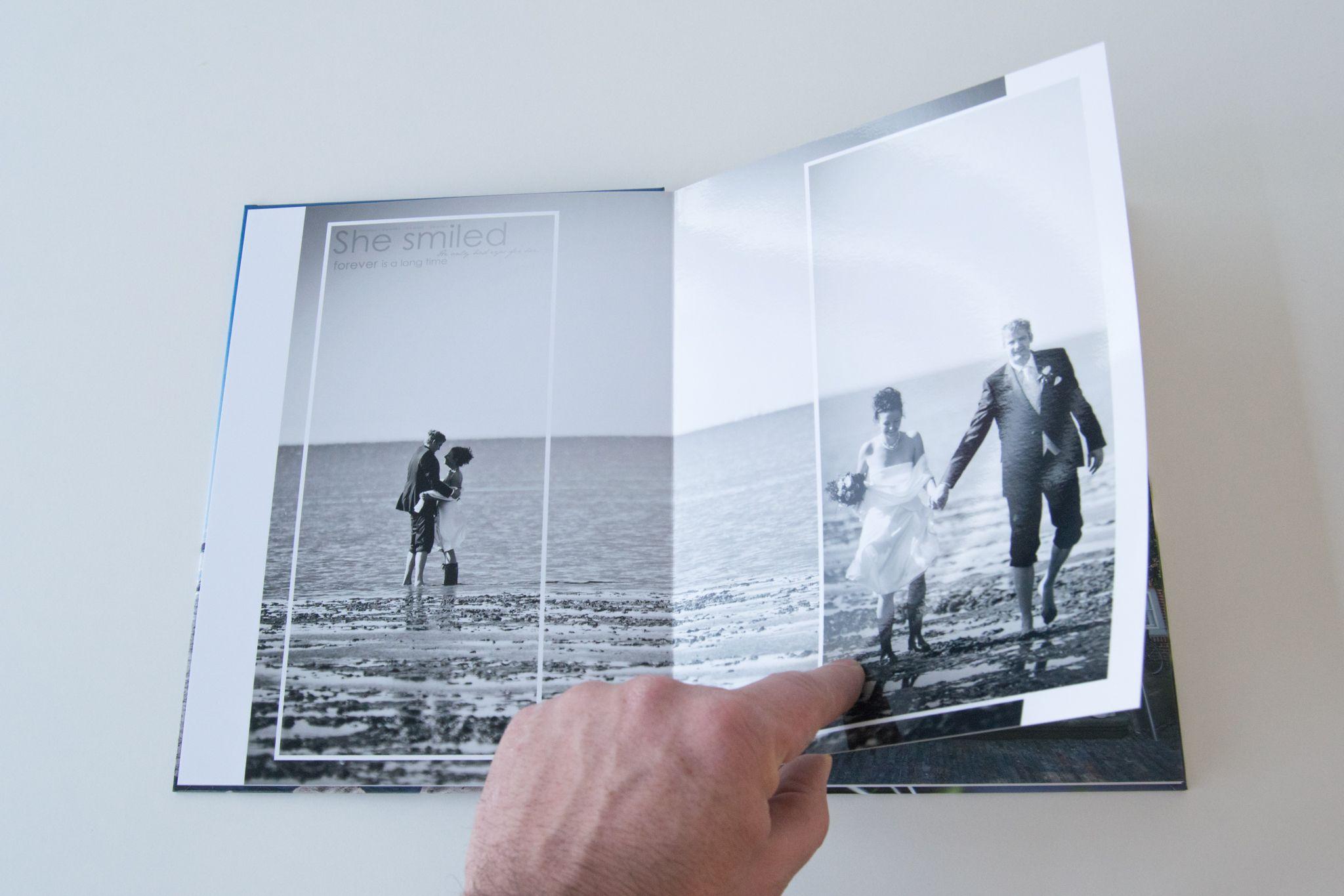 Ein Hochzeits Fotobuch Als Beispiel Blattern Sie In Hunderten Von