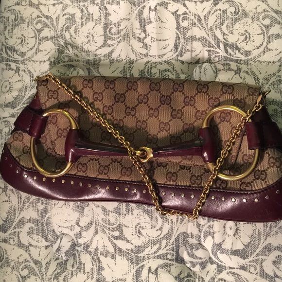 883dc2645763bd Gucci Horsebit Clutch Authentic Gucci Horsebit clutch, well-worn. 119188  203998 Fine Textiles