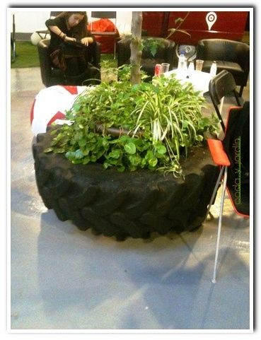 Neumtico de tractor reconvertido a jardinera Tractor Tyre recycled