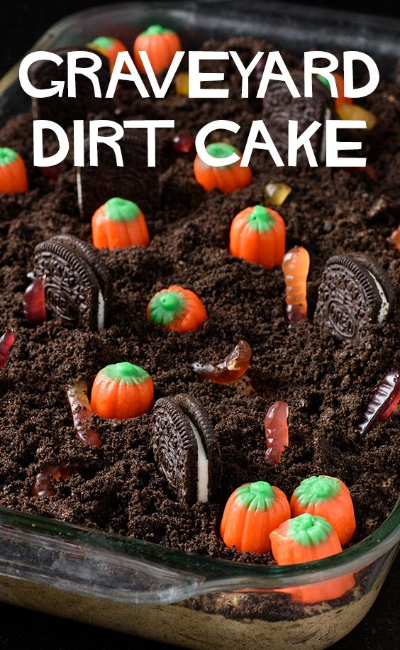 Kids will love making this Graveyard Dirt Cake its a fun and spooky dessert which is perfect for Halloween. #halloweenpotluckideas