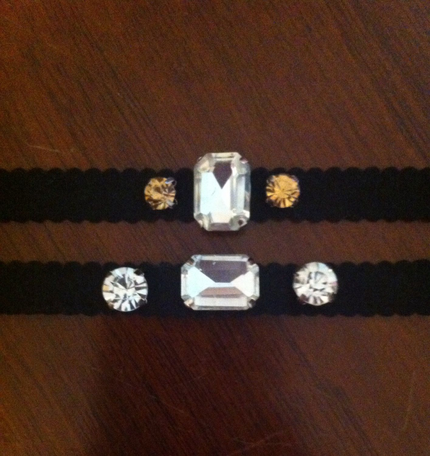 Leather Faux suede rhinestone bracelet. The price is for por Bolgia