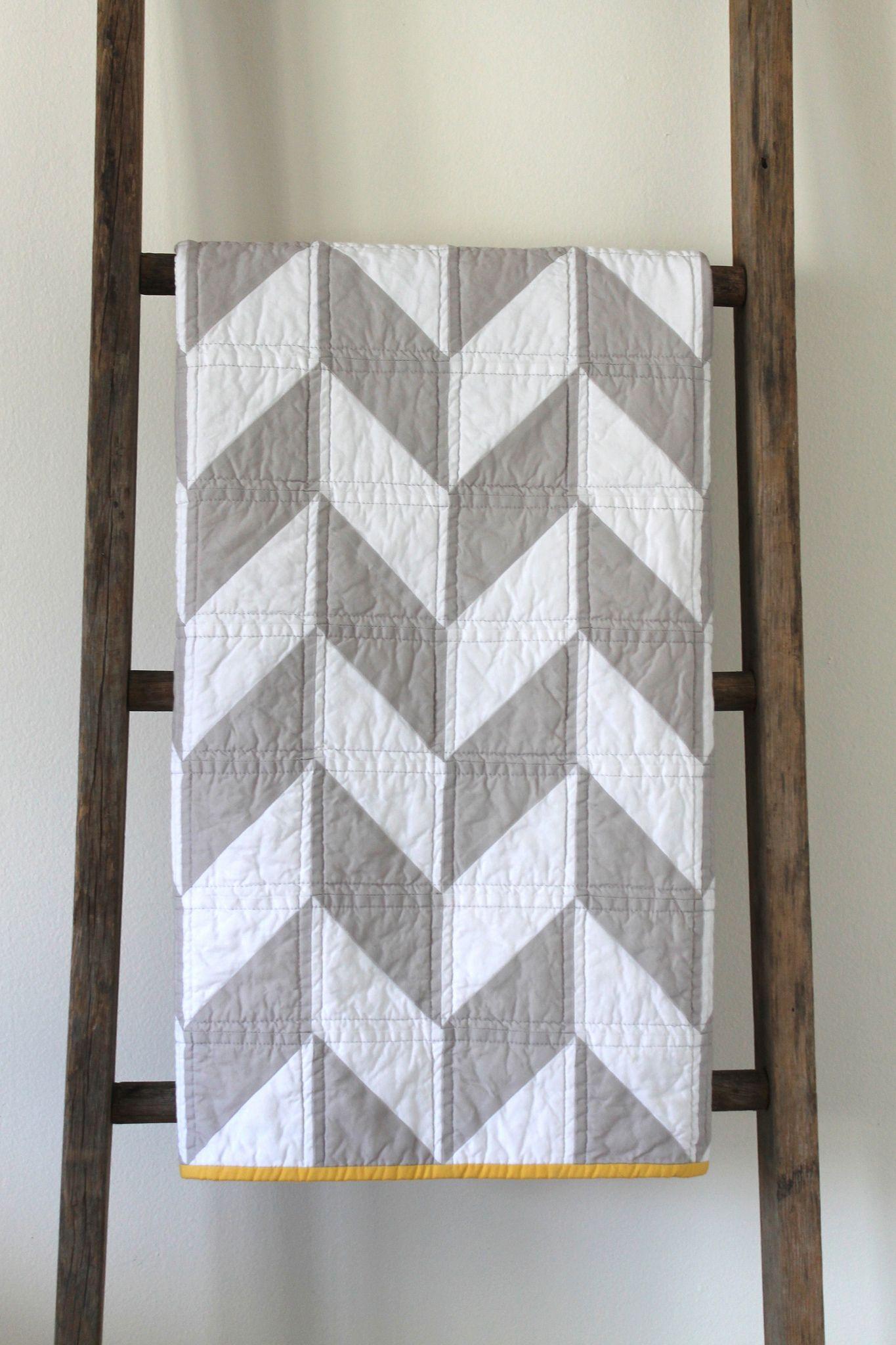https://flic.kr/p/e2KtBG | grey and white herringbone baby quilt ...
