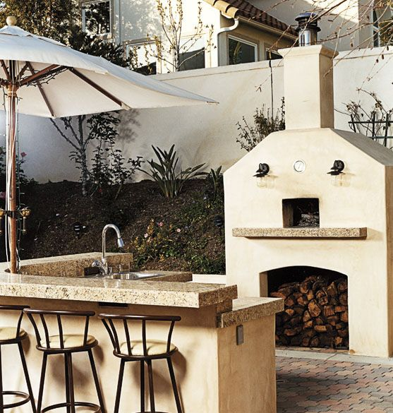 Great Outdoor Kitchen Complete With Pizza Oven: Build Outdoor Kitchen, Outdoor