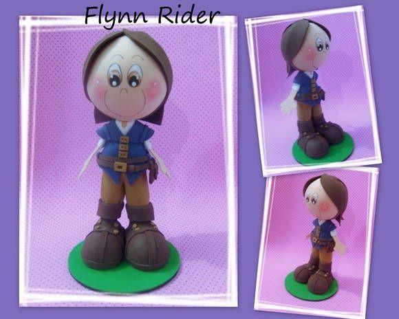 Boneco em e.v.a 3D Pode ser utilizado como topo de bolo, enfeite de mesa, lembrancinha do tema Enrolados/Rapunzel. R$ 30,00