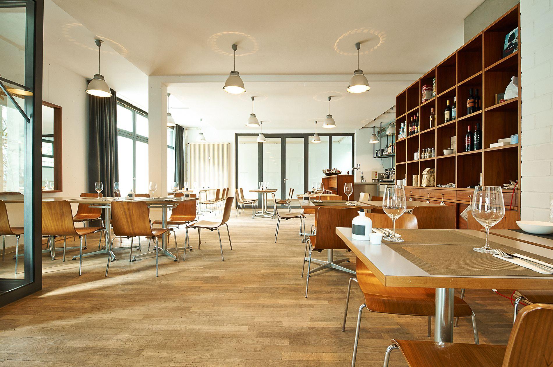 pin von anastasiya meliskin auf nuremberg n rnberg n rnberg restaurant und schweiz. Black Bedroom Furniture Sets. Home Design Ideas