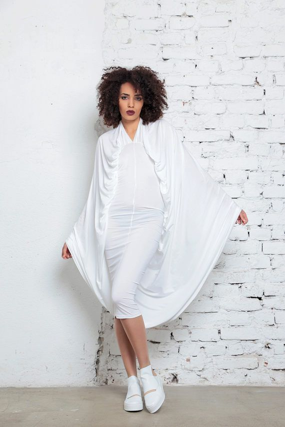 657ea2fa332 White Wedding Dress