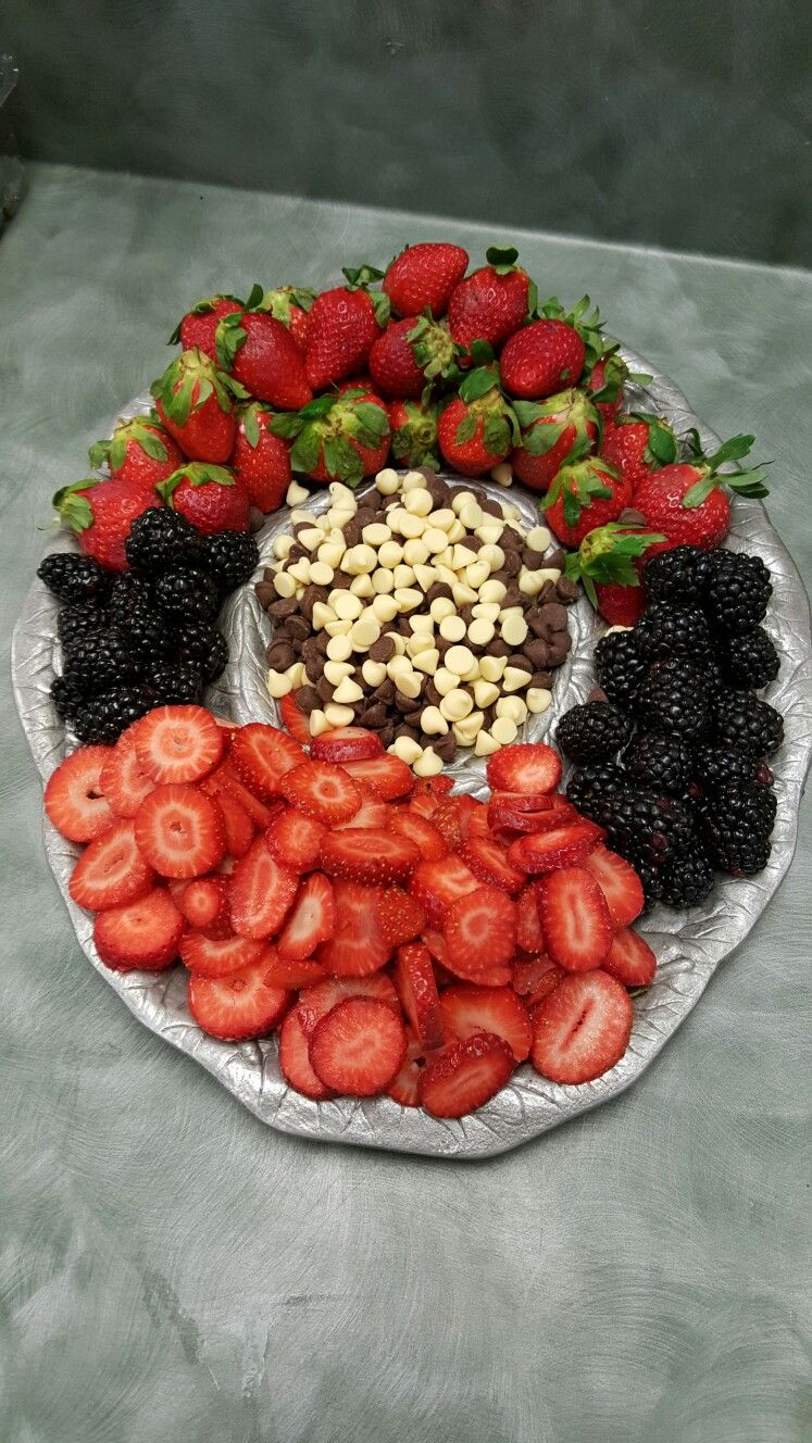 Looking for an idea for a baby sprinkle? Berry platter w