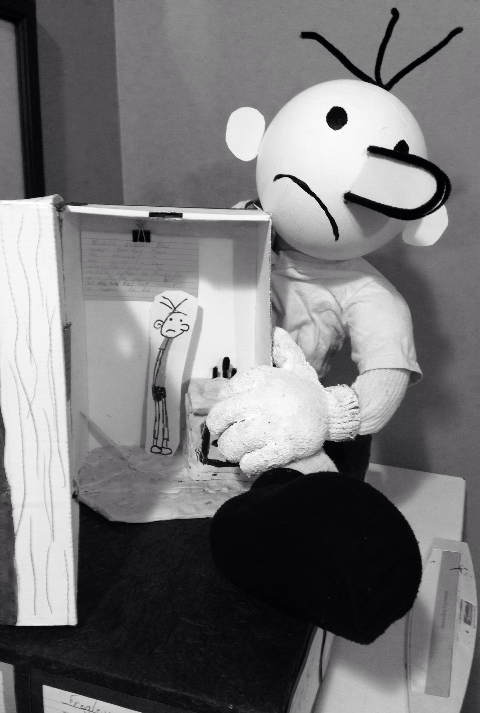 Landon\'s Diary of a Wimpy Kid float project for his 5 grade class ...