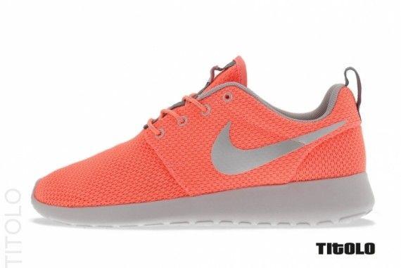 Nike Roshe Run (Atomic PinkMetallic Silver) - Sneaker Freaker
