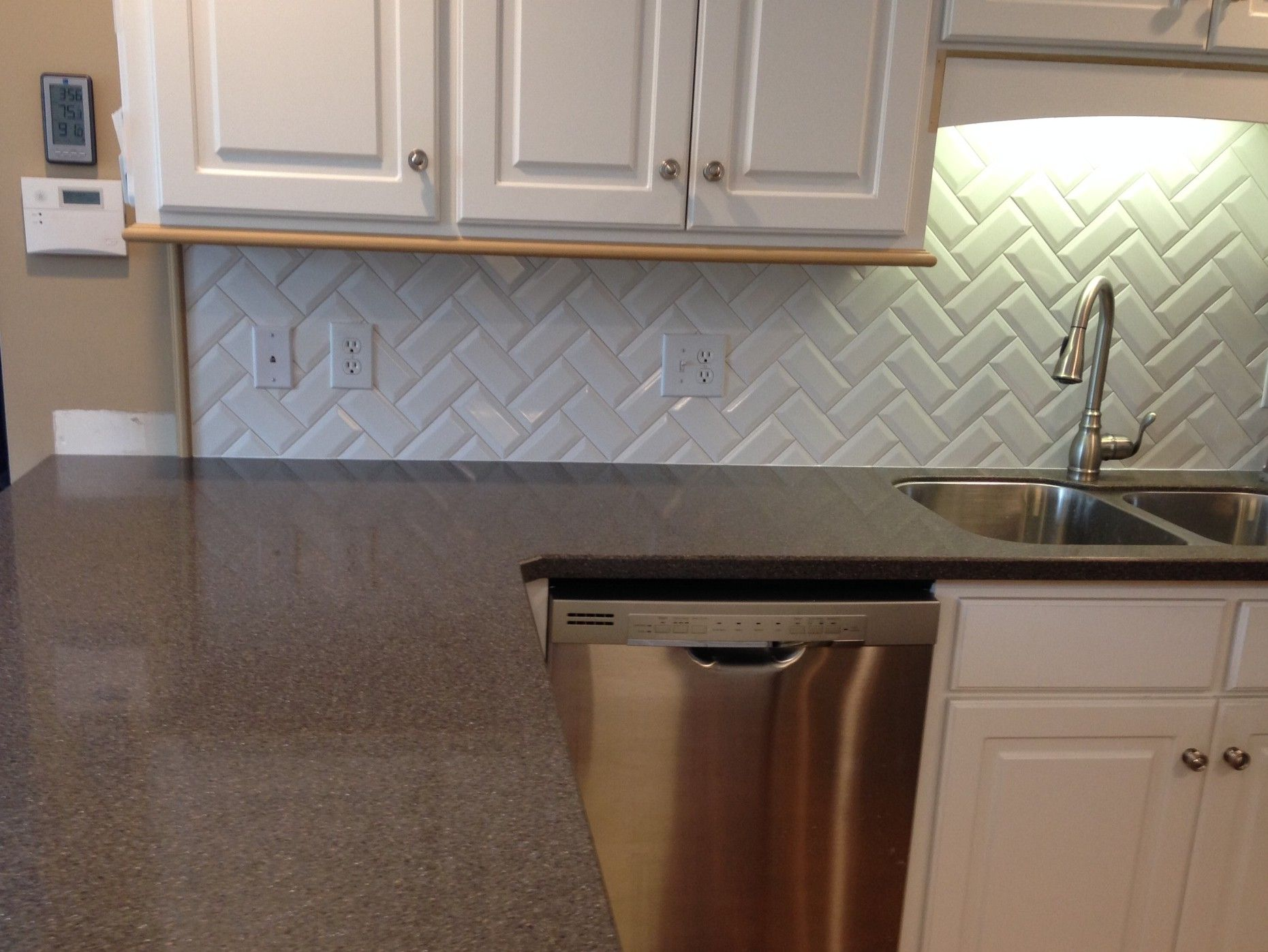Classic Herringbone Design With Primus White 3x6 Beveled Subway