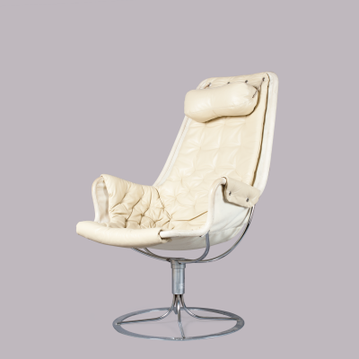 Bruno Matheson A Lovely White Leather Jetson Chair By Bruno Matheson