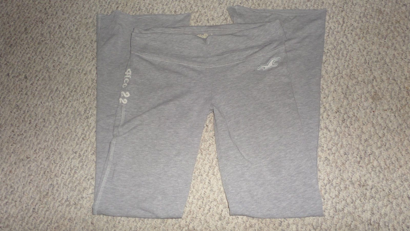 Hollister Yoga Pants size Medium https://t.co/BiqEHdBm3x https://t.co/P9HguLFPn2 http://twitter.com/Foemvu_Maoxke/status/774203459860070400