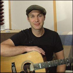 This is Justin Sandercoe. His site, Justinguitar.com is an ...