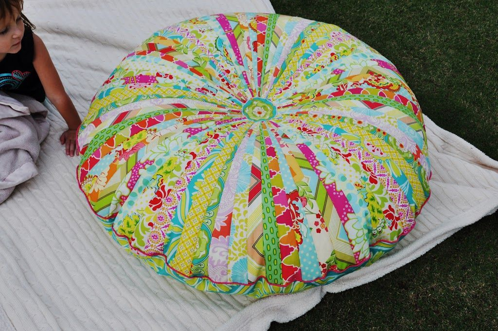 Made: Jelly Roll Floor Pillow- love this Tracey I might have to try ...