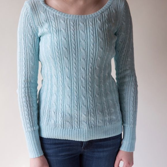 Light Blue Knit Sweater Light blue knit sweater from American Eagle. Size XS. Never been worn. • No Trades                                                                • Please use OFFER button for reasonable offers American Eagle Outfitters Sweaters Crew & Scoop Necks