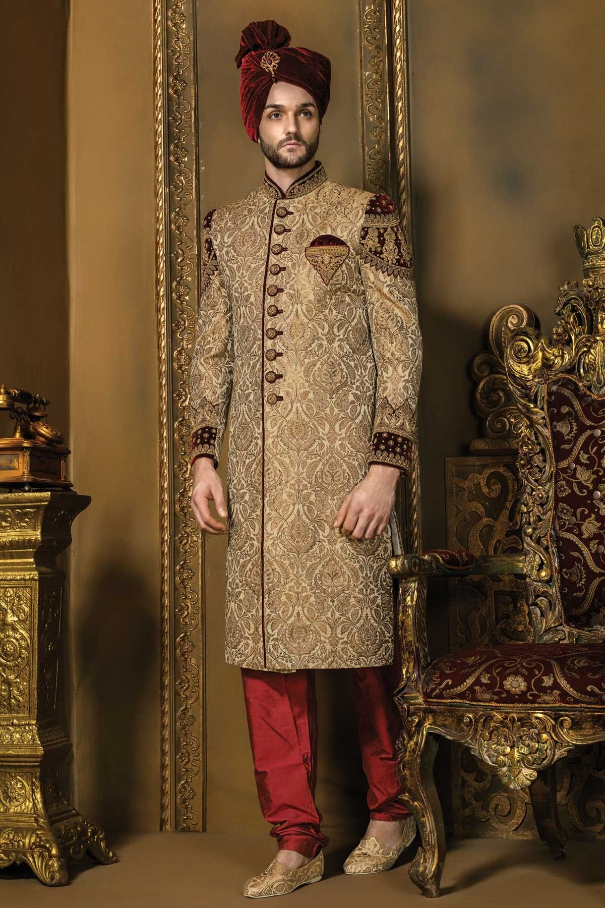 Matt gold u maroon khinkwab u velvet bandh gala dashing sherwani