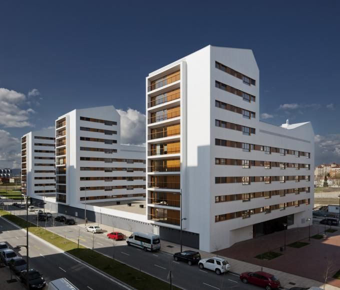 104 Social Housing Units in Borinbizkarra. Photography © Aitor Ortiz. Courtesy of ACXT. Click above to see larger image.