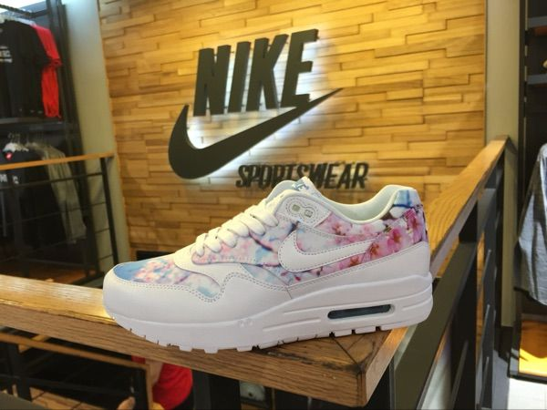 factory authentic f4a35 7cdeb NIKE AIR MAX 1 PRINT CHERRY BLOSSOM WHITE BLUE 528898 102  145