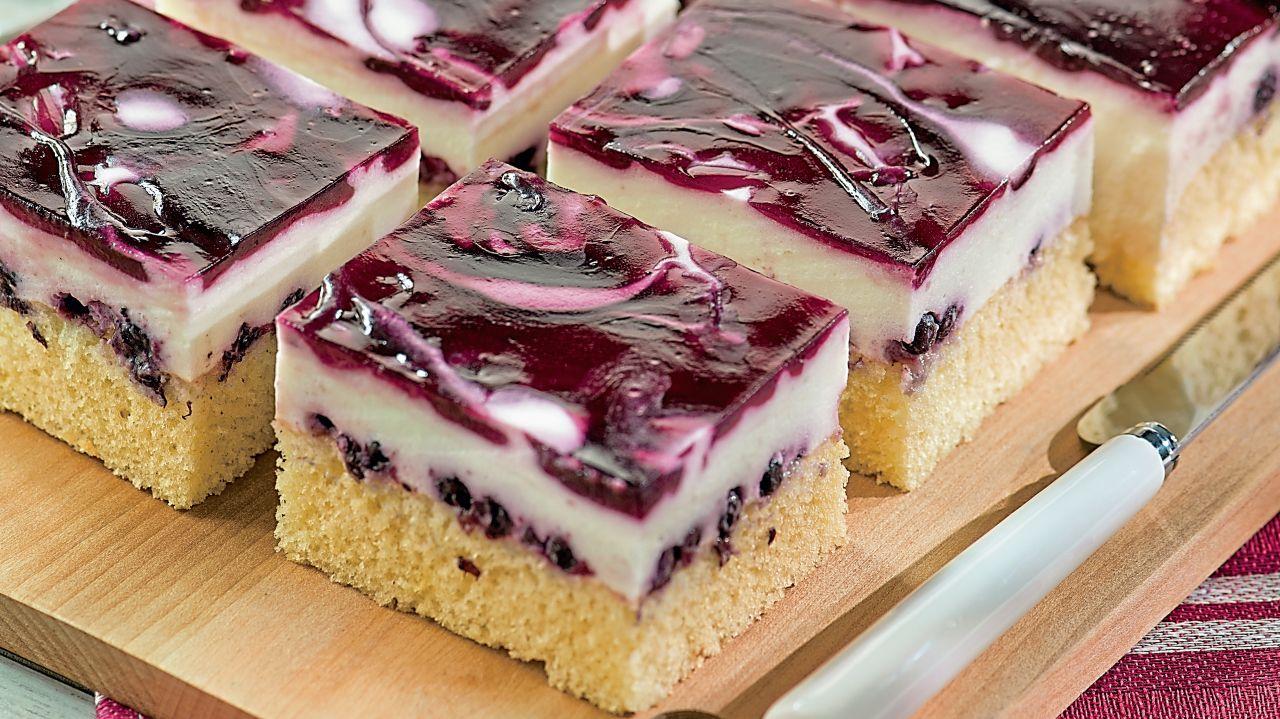 Blubberkuchen mit Waldheidelbeeren in 2020  Kuchen und
