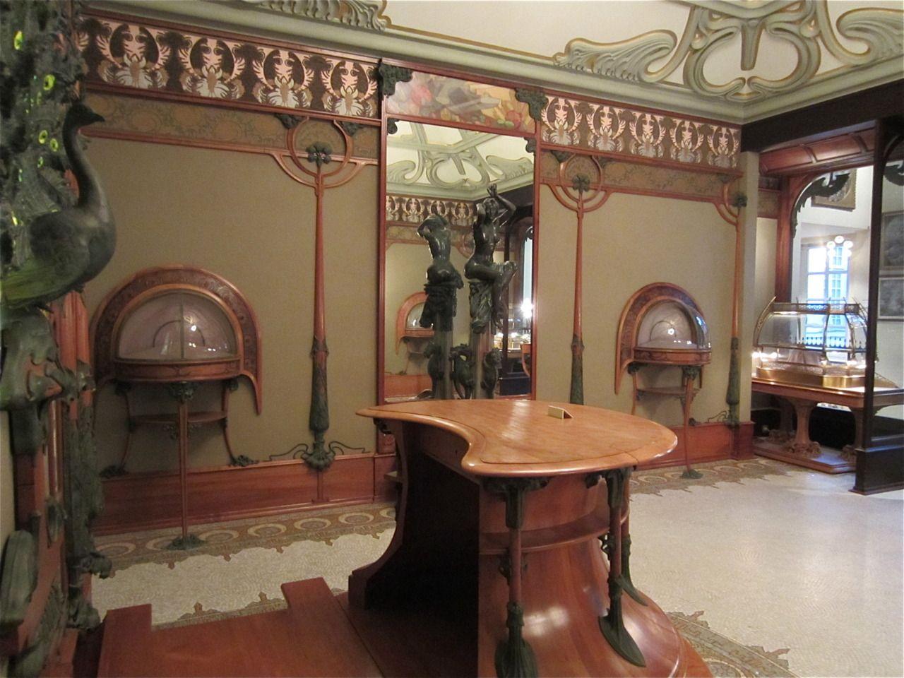 The Jeweler Georges Fouquet And Art Nouveau Artist God Alphonse Mucha Teamed Up And Together Made This Masterpiece Stil Modern Stolyarnye Izdeliya Dragocennosti