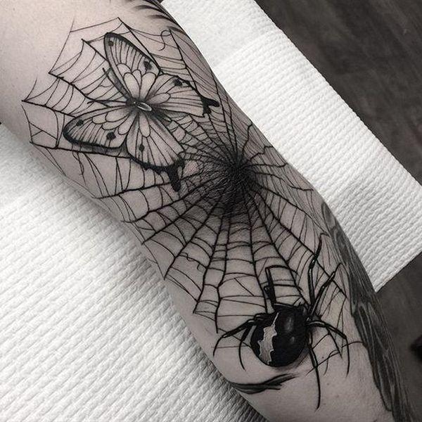 Tatouage De Toile D Araignee Sur Le Coude Tatouages Pinterest