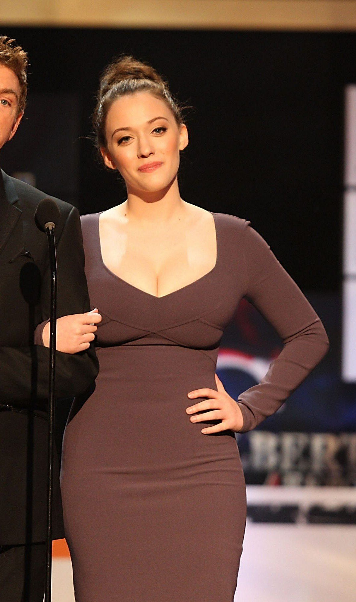 Kat Dennings My dream body right there. Perfectly curvy