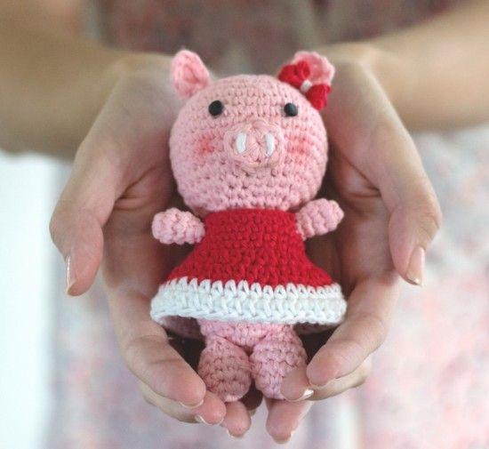 Crochet Pig Pattern Video Tutorial Lots Of Cute Ideas | Muñecas de ...